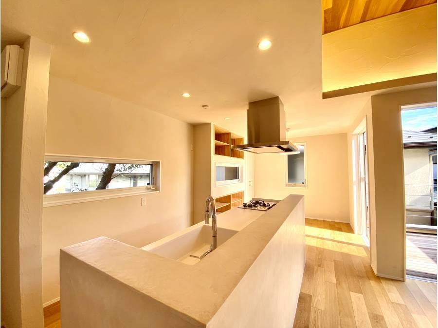アイランドキッチンは絶妙に空間を調和してくれてます