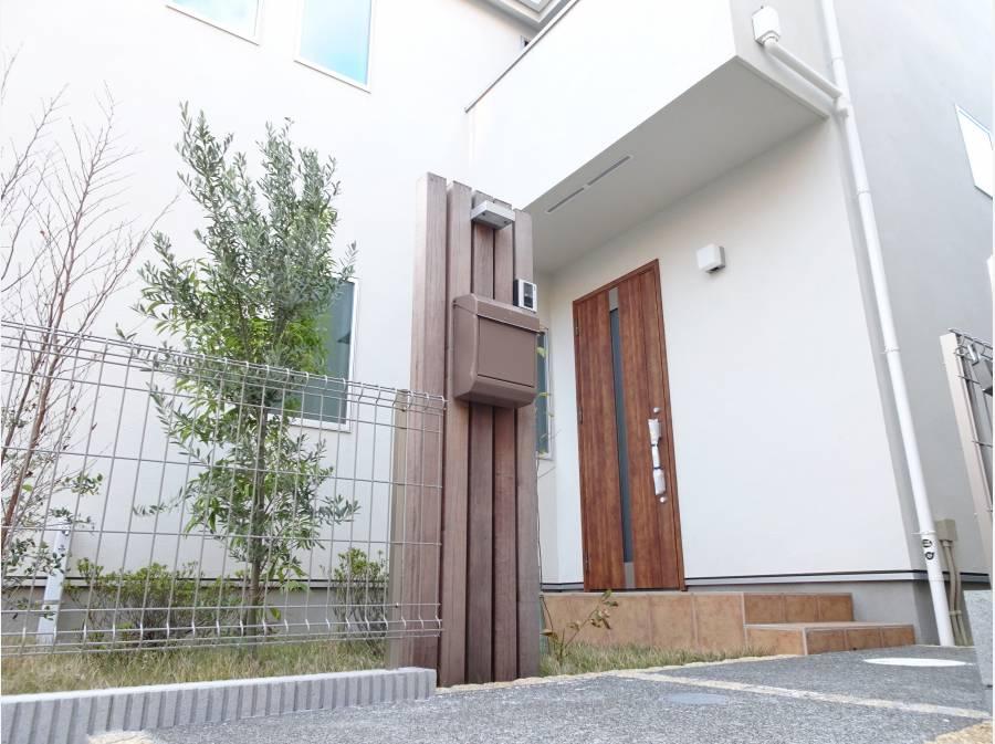 デザイン性のある玄関ポーチ
