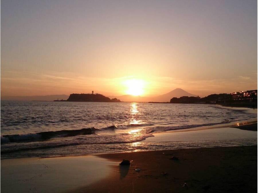 七里ヶ浜の綺麗なサンセット。海まで徒歩10分(約800m)