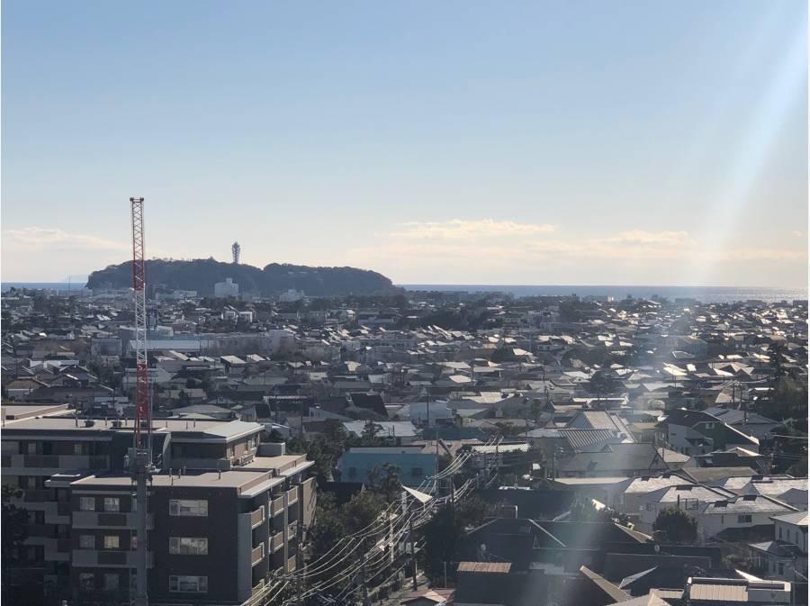 左前方には江ノ島です!