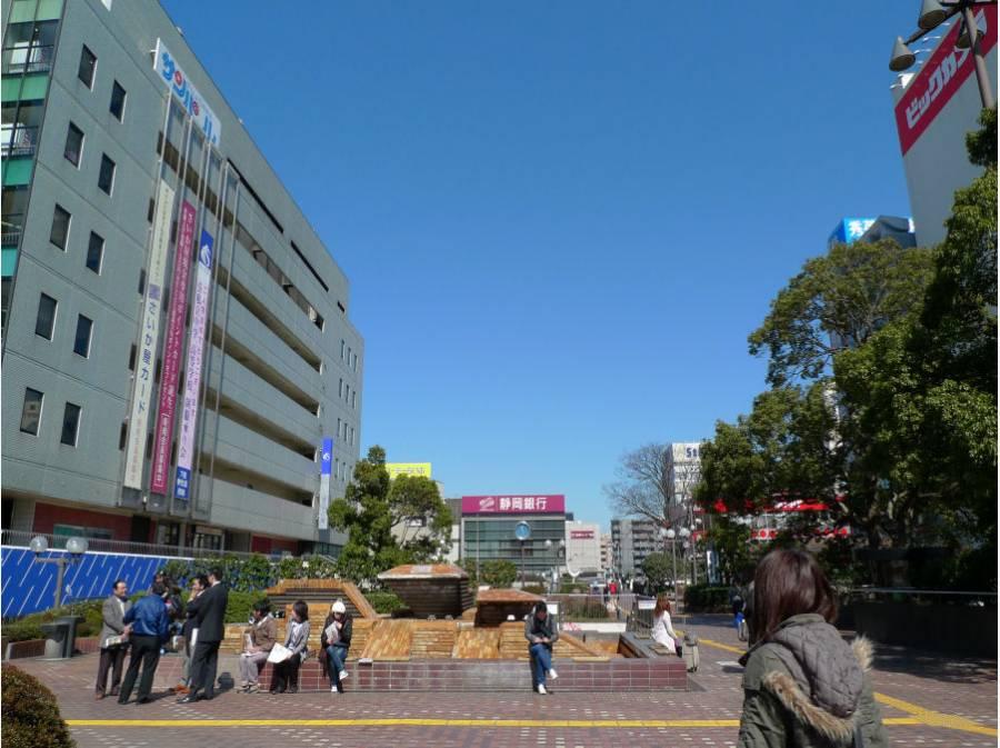 藤沢駅北口には大型商業施設が揃っています 約1100M