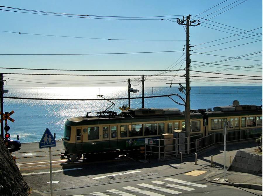 鎌倉高校前の海まで約1KM