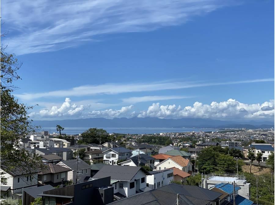 約340M先の富士見坂からは湘南の海が望めます