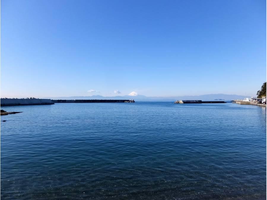 正面には富士山と江ノ島を一望