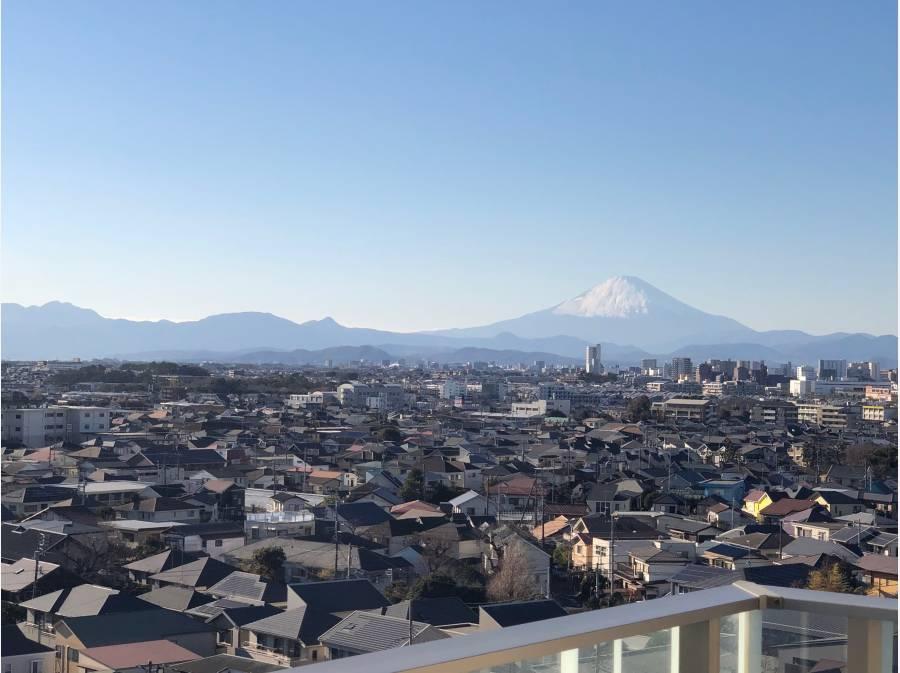 右前方には富士山を望みます。