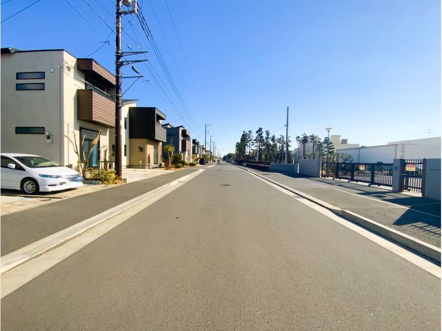 前面道路の広さ約11m