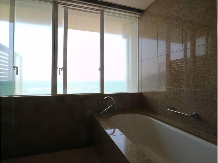 MBRのバスルームです