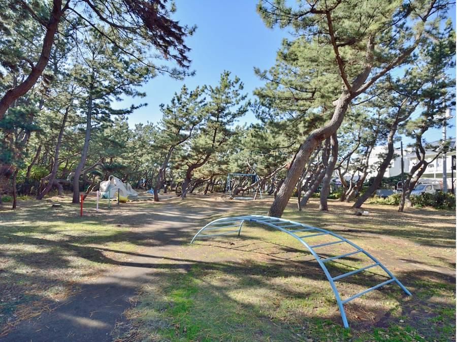 小和田浜公園 約1600m