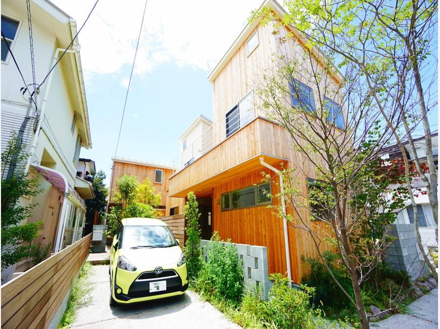 小田急江ノ島線「鵠沼海岸駅」徒歩5分!カースペース2台分。