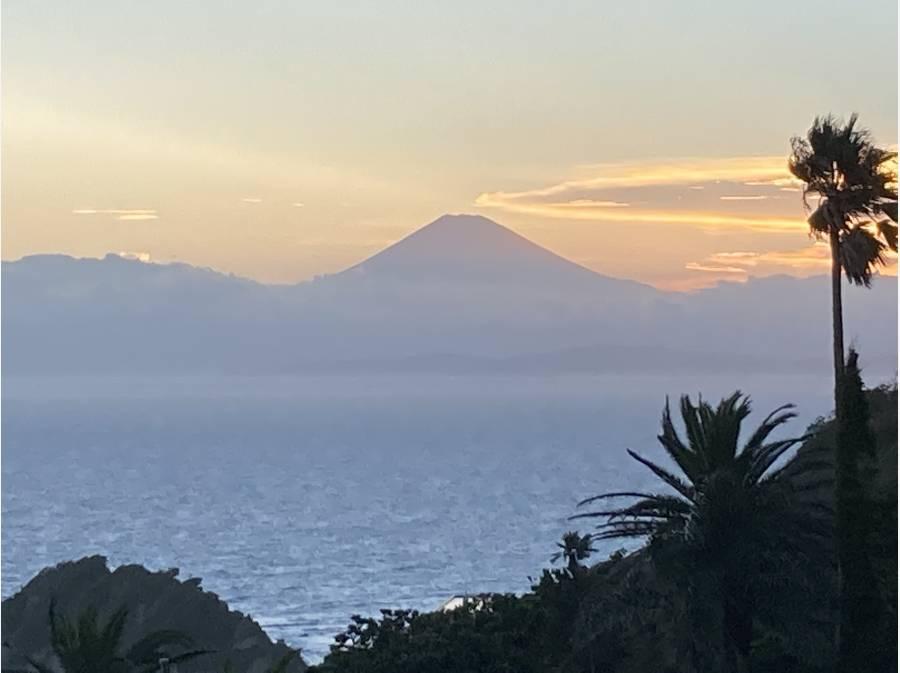 夕日に焼けた富士山も絶景です
