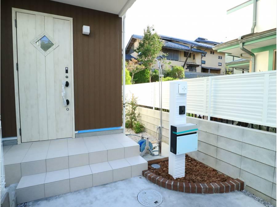 湘南の家らしく外シャワーが付いてます。