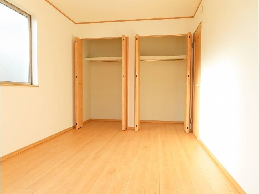 2階洋室部分は3部屋収納付きで全て6帖以上