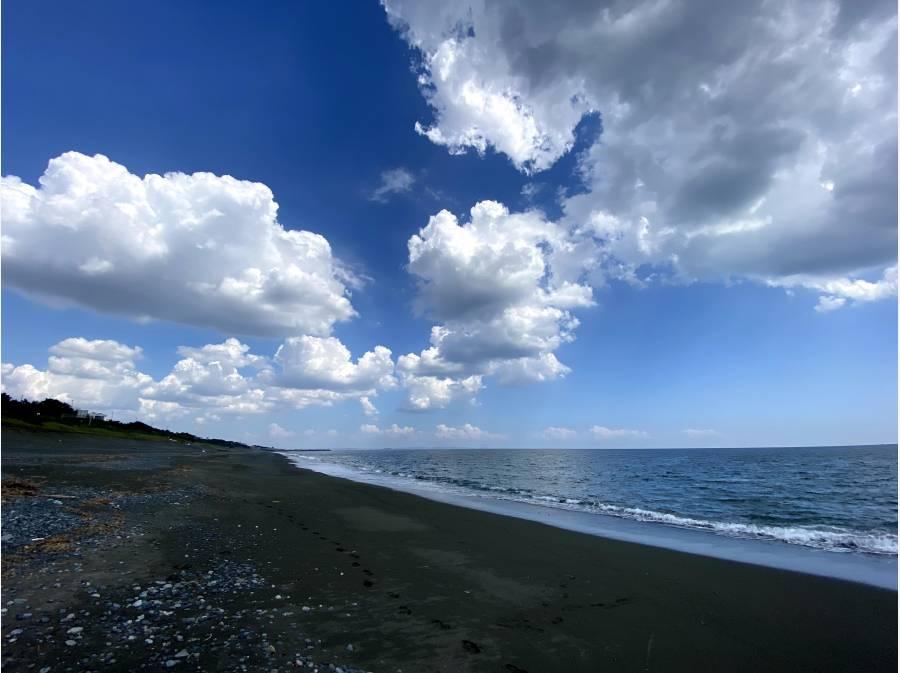 海が目前に広がります。徒歩1分(約30m)