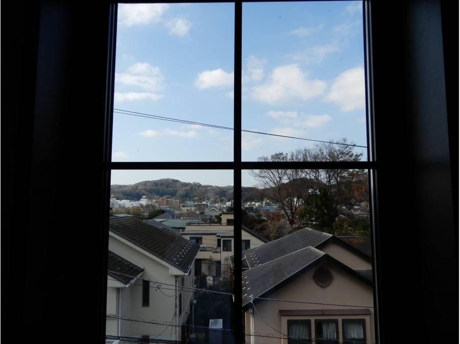 高く造成された土地に建物から観る行き着く景色は・・・・「眺望」と落ち着く「心の芯」