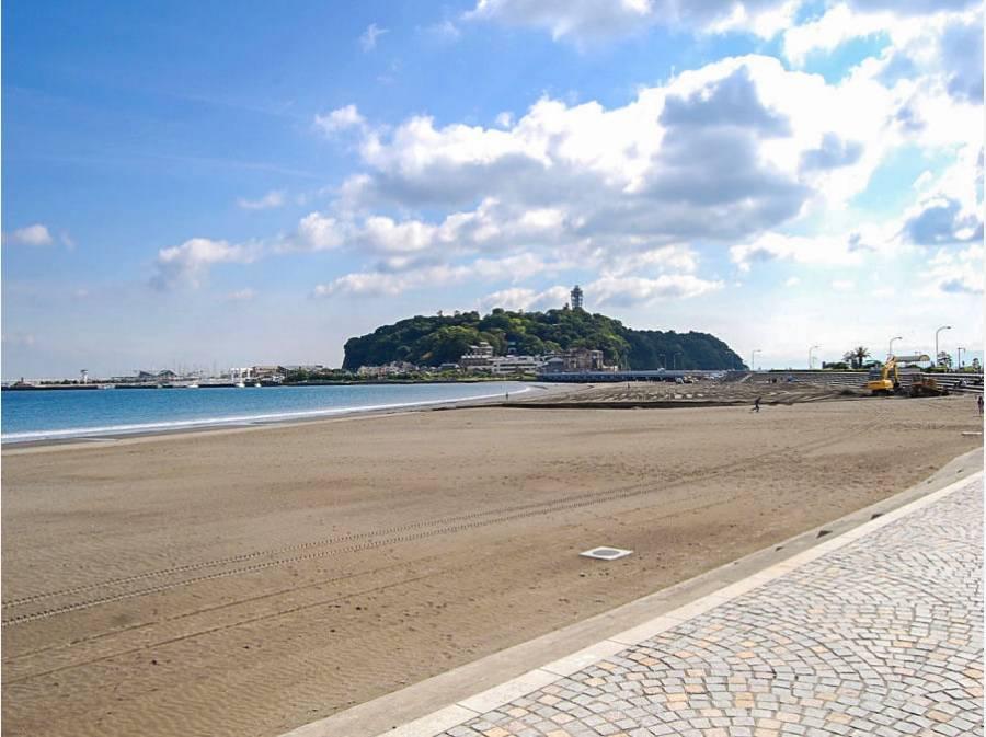 片瀬東浜まで約80m(徒歩1分)