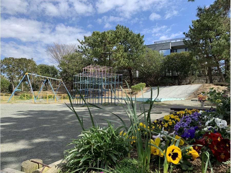 分譲地内には公園も点在。公園まで歩いて1分(約60m)