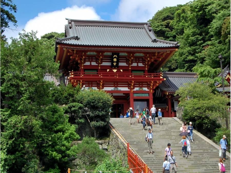 鶴岡八幡宮まで徒歩7分(500m)