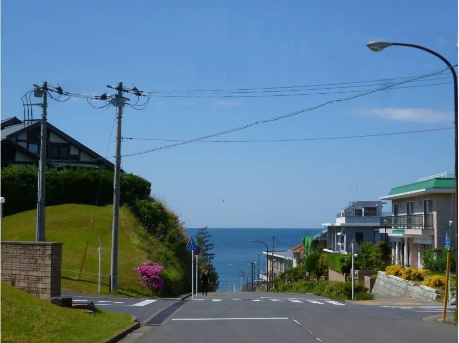 ブルーの海を見下ろす七里ガ浜分譲地内(イメージ写真)