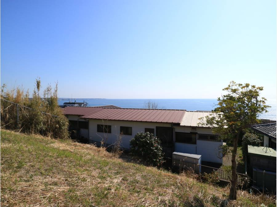 三浦半島方面も望めます。